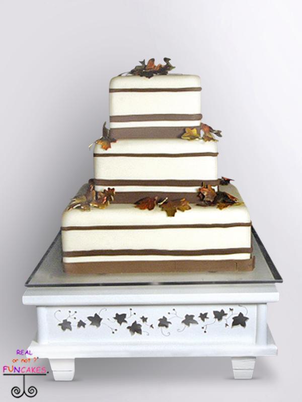 Margo Cake Stand